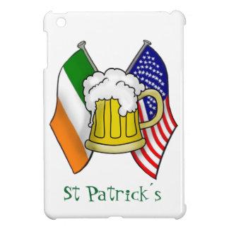 セントパトリックのアイルランド語-米国旗およびビールのジョッキ iPad MINIカバー