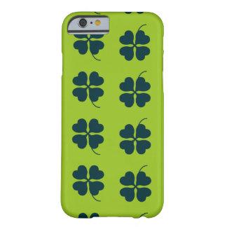 セントパトリックの日の場合 BARELY THERE iPhone 6 ケース