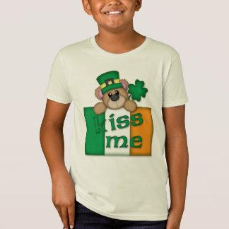 セントパトリックの日の子供は私にTシャツ接吻します Tシャツ