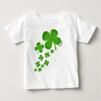 セントパトリックの日の幸運な幼児Tシャツのクローバー ベビーTシャツ