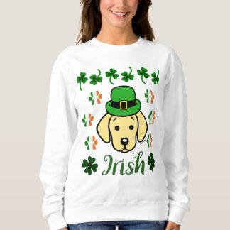 セントパトリックの日の黄色のラブラドールのアイルランド語 スウェットシャツ