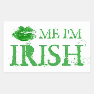 セントパトリックの日は私によってがアイルランドの緑の唇である私に接吻します 長方形シール