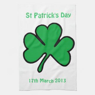 セントパトリックの日アイルランド人のすべての運 キッチンタオル