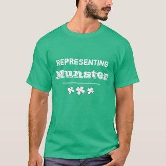 セントパトリックの日、人の緑のミュンスターのTシャツ Tシャツ