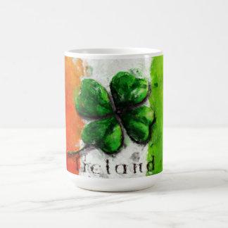 セントパトリックの日-水彩画のクローバーのアイルランドの旗 コーヒーマグカップ