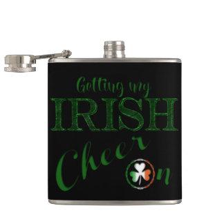 """セントパトリックの""""アイルランド人の応援"""" -すべての選択 フラスク"""