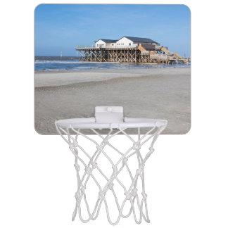 セントピーターOrdingのビーチの支柱の家 ミニバスケットボールゴール
