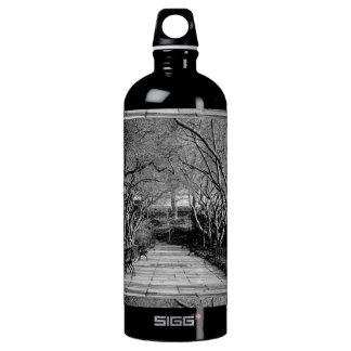 セントラル・パークの黒く及び白い景色の写真 ウォーターボトル