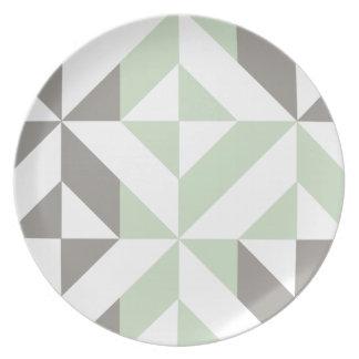 セージグリーンおよび銀製の幾何学的なDecoの立方体パターン プレート