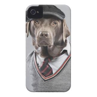 セーターおよび帽子の犬 Case-Mate iPhone 4 ケース