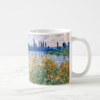 セーヌ河Monetのファインアートの銀行の花 コーヒーマグカップ