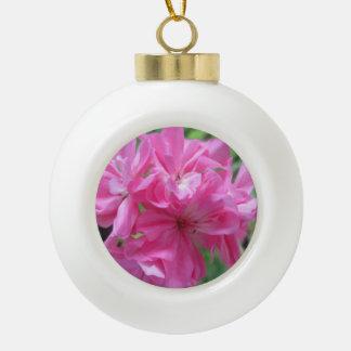 ゼラニウムのピンクの花柄 セラミックボールオーナメント