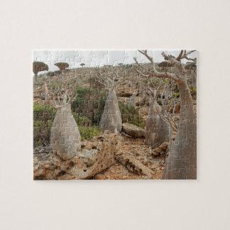 ソコトラ島の砂漠のバラまたはボトルの木 ジグソーパズル