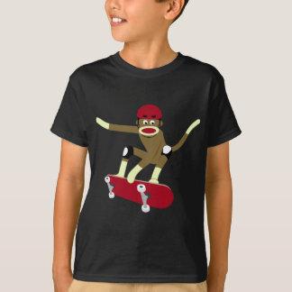 ソックス猿のスケートボーダー Tシャツ