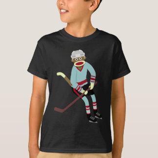 ソックス猿のホッケー選手 Tシャツ