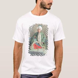 ソファで着席する紳士 Tシャツ