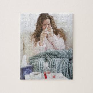 ソファの病気の女性 ジグソーパズル