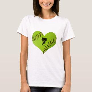 ソフトボールのハートのTシャツ Tシャツ
