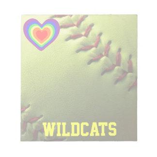 ソフトボールのプライドの虹のハートおよび名前 ノートパッド
