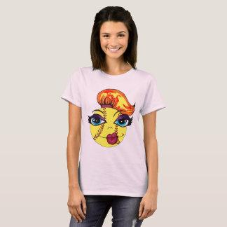 ソフトボールの女の子 Tシャツ