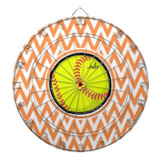 ソフトボール; オレンジおよび白いシェブロン ダーツボード