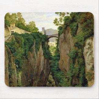 ソレント1823年の岩が多い峡谷 マウスパッド