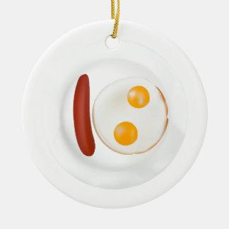 ソーセージが付いている炒卵のおもしろいな写真 セラミックオーナメント
