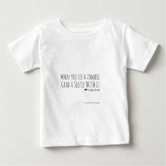 ゾンビとのSelfies ベビーTシャツ