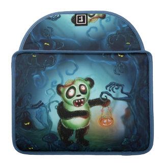 ゾンビのパンダのハロウィンの森林 MacBook PROスリーブ