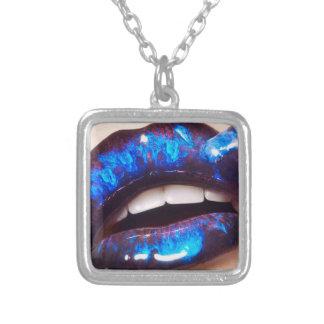 ゾンビの大理石の唇のネックレス シルバープレートネックレス