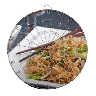 タイの食糧Lo Meinのヌードルの皿 ダーツボード