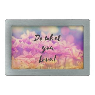 """""""""""タイポグラフィの引用文の紫色の花を愛するものして下さい 長方形ベルトバックル"""