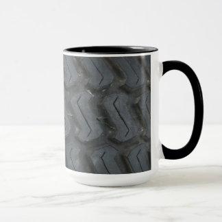 タイヤの踏面のマグ マグカップ