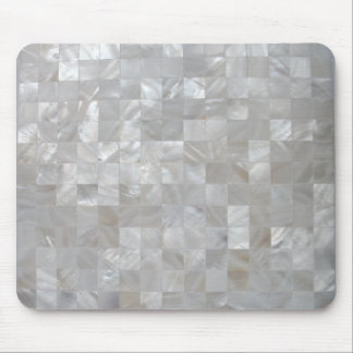 タイルを張られる白い銀製の真珠母 マウスパッド
