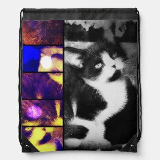 タキシードの子ネコのコラージュのドローストリングのバックパック ナップサック