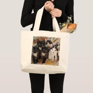 タキシードの子ネコ ラージトートバッグ