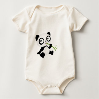 タケ棒を食べているかわいいパンダ ベビーボディスーツ