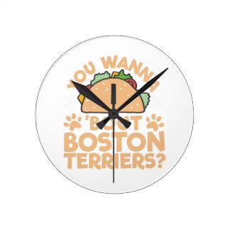 タコスの一続きのボストンテリアにほしいですか。 ラウンド壁時計