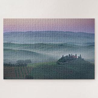タスカニーの景色のパズル上のピンクの日の出 ジグソーパズル