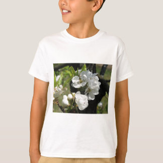 タスカニー、イタリアの花が付いているナシのツリーブランチ Tシャツ