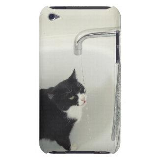 タップからの猫の飲料水の点滴注入 Case-Mate iPod TOUCH ケース