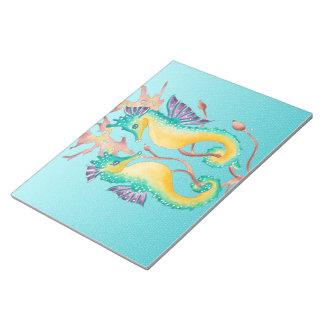 タツノオトシゴのティール(緑がかった色)のstainglass ノートパッド