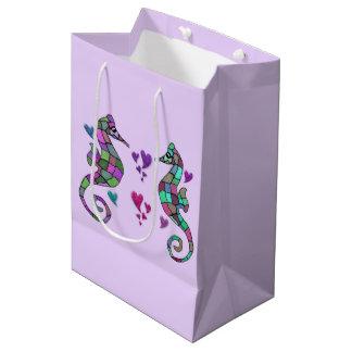 タツノオトシゴの虹のギフトバッグ ミディアムペーパーバッグ