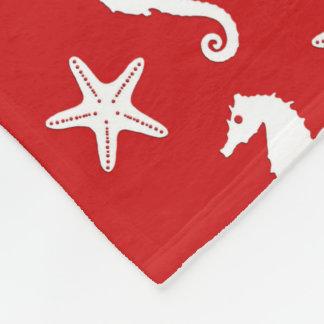 タツノオトシゴ及びヒトデ-暗い珊瑚の赤と白 フリースブランケット