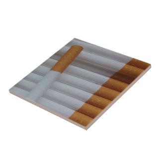 タバコのおもしろいな喫煙者の背景 タイル