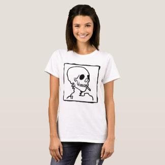 タバコのステンシルワイシャツが付いているスカル Tシャツ