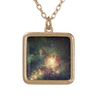 タランチュラの星雲-フレーム3 ゴールドプレートネックレス