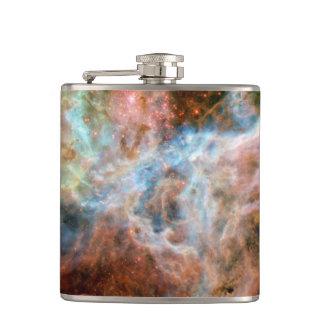 タランチュラの星雲R136 NASAのハッブルの宇宙の写真 フラスク