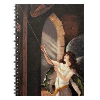 タワーの鐘が鳴るノートのヴィンテージの天使 ノートブック