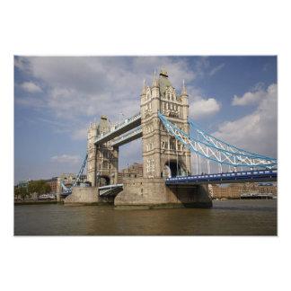 タワー橋およびテムズ川、ロンドン、 フォトプリント